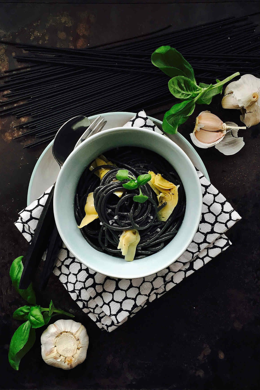 Black Spaghetti & Artichoke Hearts