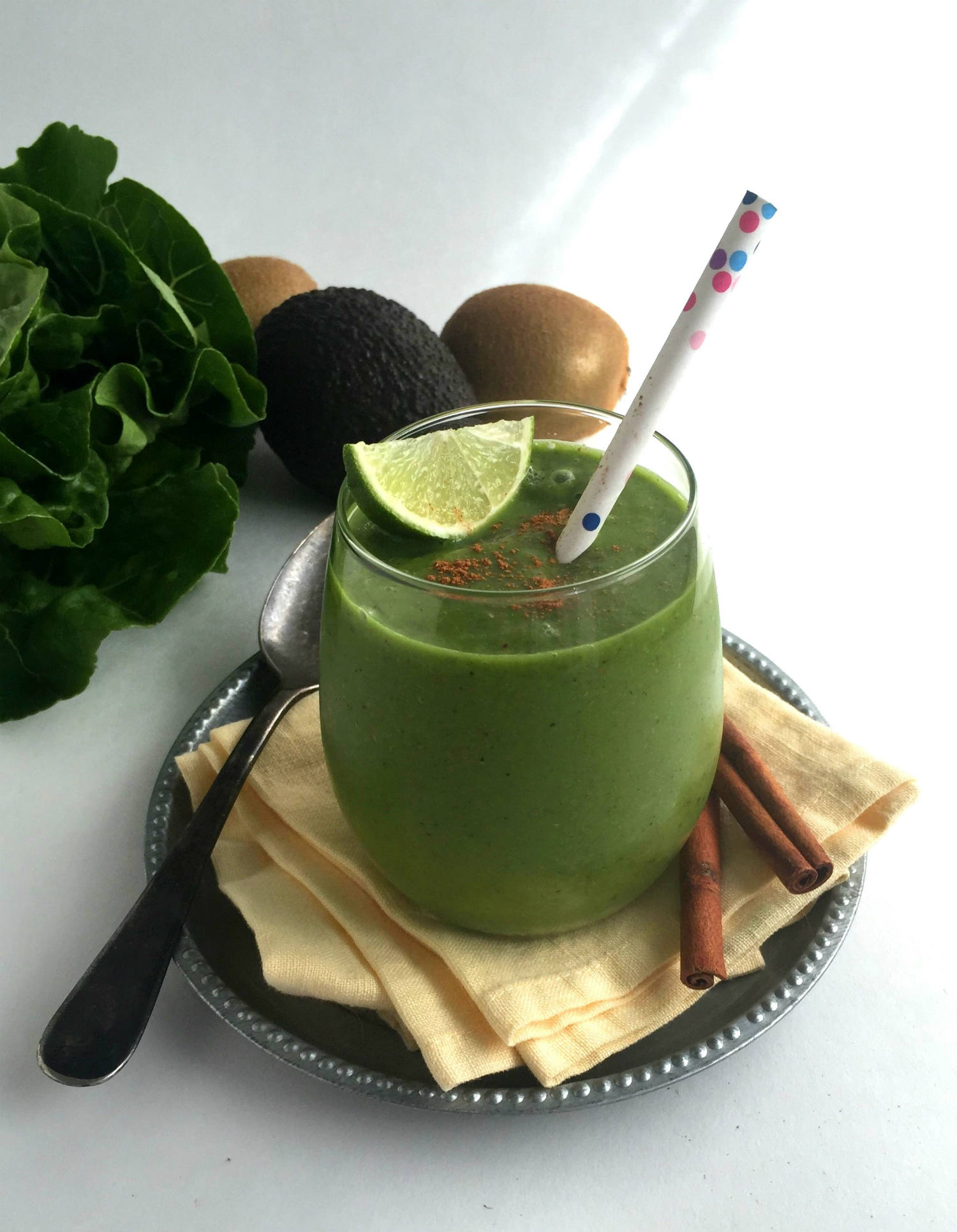 """Green n' Lean"" Cinnamon Smoothie"