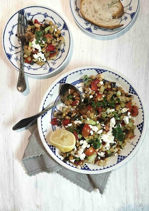 fetaost-salat-kikerter-vegetar