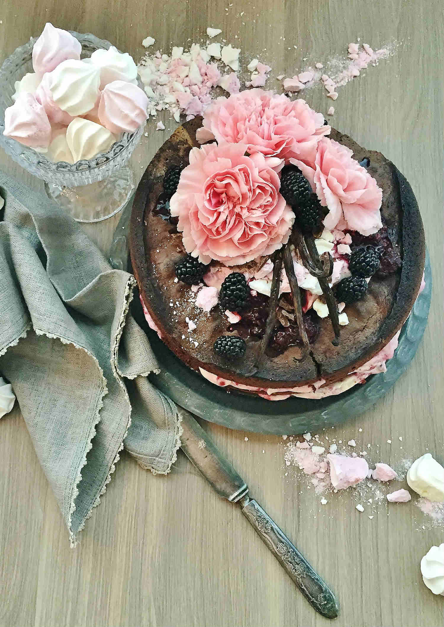 Quick & Easy Chocolate Cake with Blackberry Cream