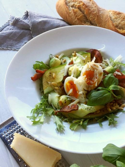 bacon-salat-avokado-agurk