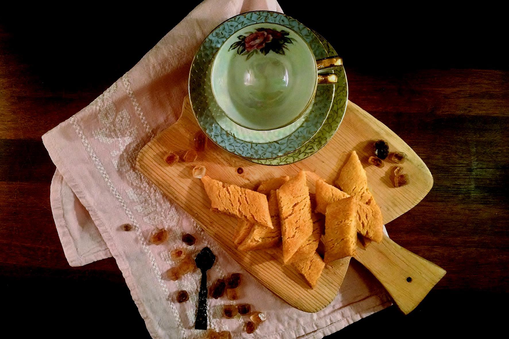 Irresistible Crunchy Caramel Cookies