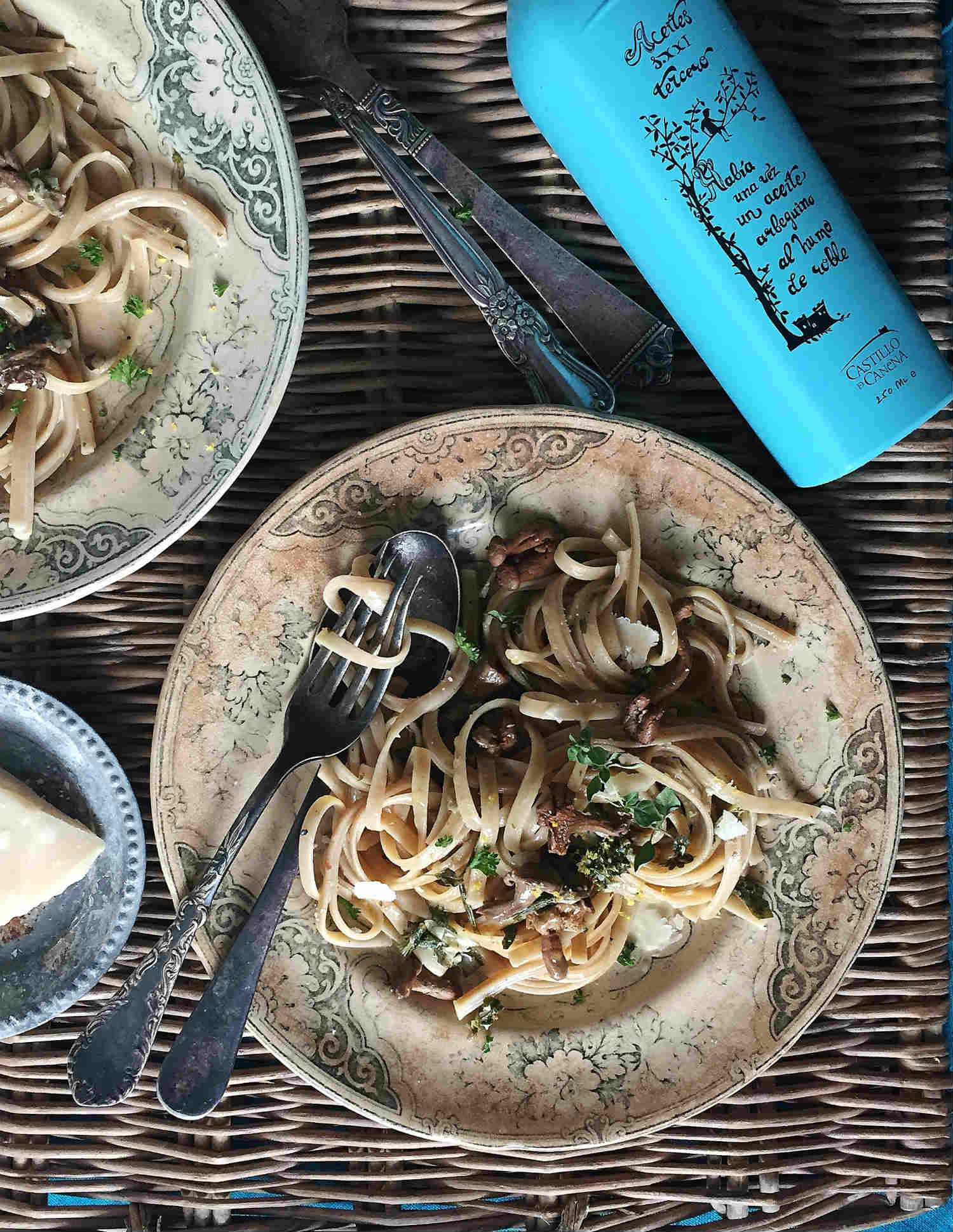 Whole Wheat Linguine with Mushroom & Parmesan Cheese